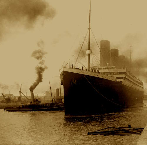 Titanic-Departing